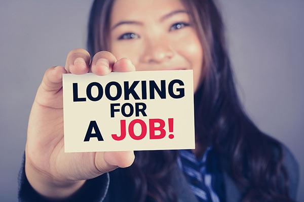 入职一个月,发现公司还在招聘同岗位的人,我该怎么办?
